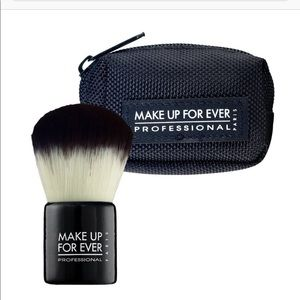NWT Make Up For Ever Kabuki Brush with Bag